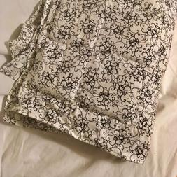 15 LB WEIGHTED BLANKET ~ Custom Made ~ Black & White Scroll